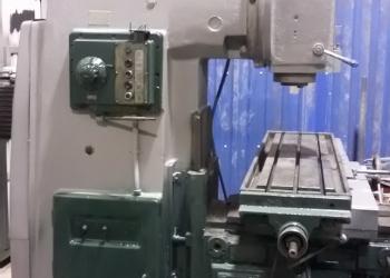 Продается станок фрезерный 6Р12сверлильный,компрессор,гильотина