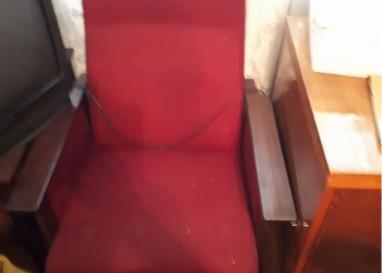 Срочно продаю 2 кресла