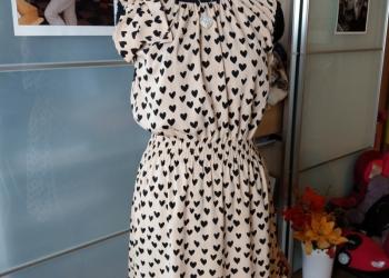 Платье в сердечках с бантом 44 р