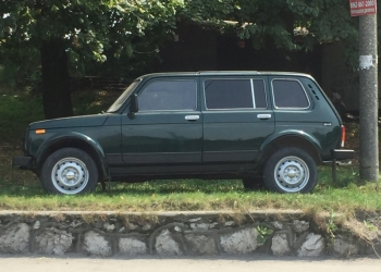 Подаю ВАЗ 21310 цвет зелёный 2003г.выпуска. Цена 260000т.