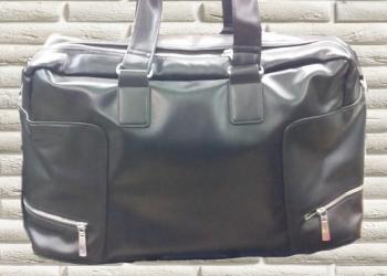 Мужская дорожная сумка высокого качества из натуральной кожи.