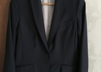 Продам костюм-двойку Charuel р.44