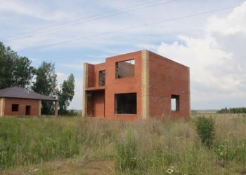 Дом кирпичный на берегу озера Курочкино
