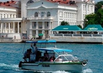 Морские прогулки на катере в Севастополе