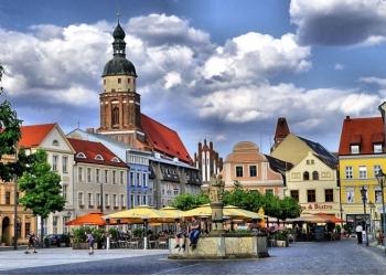 Продаётся большой торговый центр в Саксонии, Германия.