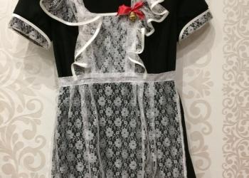 Продаю школьную форму (платье, фартук и воротнички на рукава и шею)