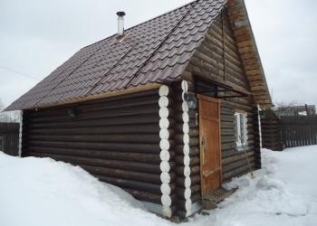 В Слободском продаю дом-баню на земле 7 соток. Рядом расположена беседка.