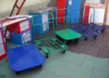 Металлические четырехколесные тележки для перевозки