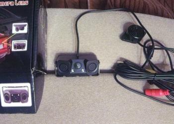 камера заднего вида сдатчиками(сонарами)