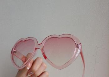 Очки в форме сердечек H&M