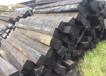 Шпалы деревянные.