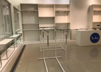 Комплект торгового оборудования для магазина одежды
