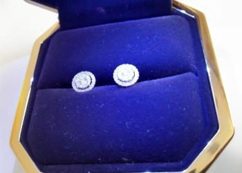 Серьги (сережки из белого золота покрыты бриллиантами)