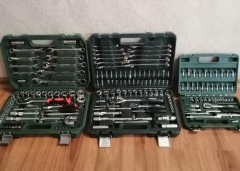 Наборы инструментов в кейсе