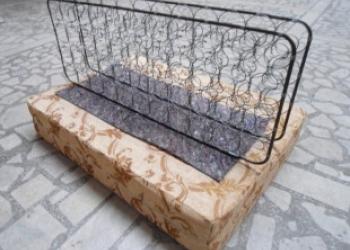 Интернет-магазин Уют-онлайн продаёт подушки и матрасы для старой софы, кушетки