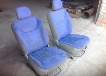 Передние сидения от Опель Виваро
