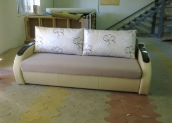 Обивщик мягкой мебели и столяр-станочник