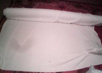 Трикотажный материал белого цвета