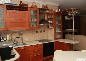 Продается 5 комнат 154 м²  пер. Островского