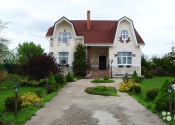Продаю загородный дом, кирпичный в центре с. Подстепки. Год постройки 2011. В 10