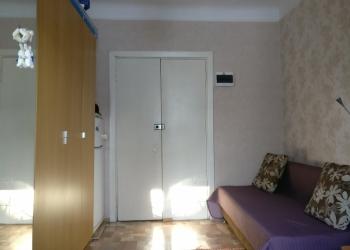 Продам комнату (13.6 кв. м.) в 3-комнатной квартире