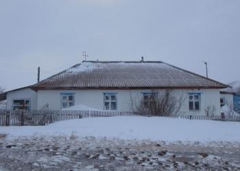 Продам 3-х комнатную квартиру в кирпичном доме на 2-х хозяев с. Усть-Белое