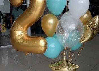 Товары для праздника, воздушные шары.