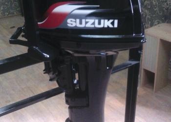Продам двухтактный подвесной лодочный  мотор Suzuki 9.9