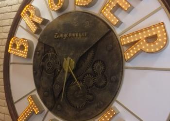 Дизайнерские настенные часы в стиле лофт индастриал для бара и ресторана Саратов