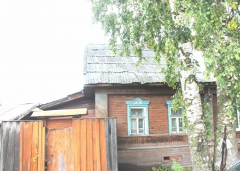 Продам  пол - дома  в черте города  в Северном мкр.г.