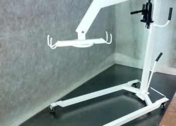 Подъемник гидравлический для инвалидов и лежачих больных