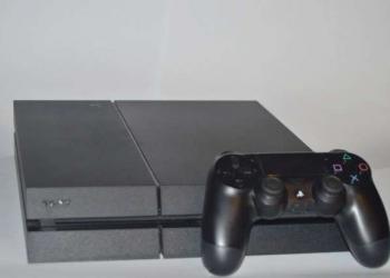 Sony PlayStation 4 500Gb, + игра