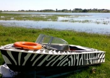 Продам лодку, мотор  Yamaxa и жилеты