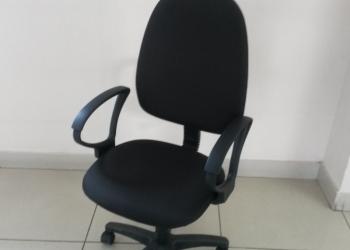 Продается кресло для компьютера на колесиках