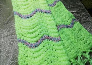 Вязаный детский шарфик ручной работы