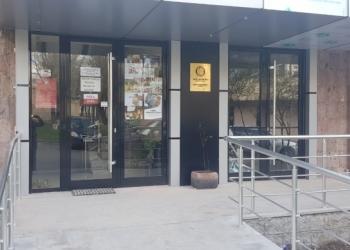Продаю отдельно стоящие здание для бизнеса.