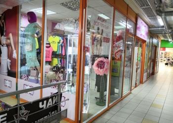 Шоу-рум женской одежды и аксессуаров