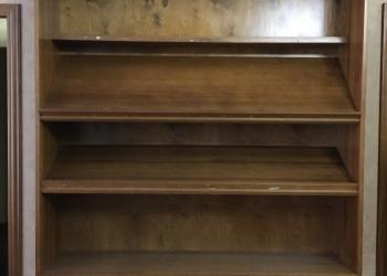 деревянные шкафы-витрины