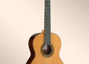 Испанская гитара Alhambra 4P