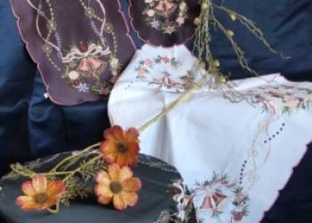 Скатерти и салфетки с новогодней тематикой от производителя оптом и в розницу.