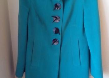 Продам красивое пальто 44 размера-46