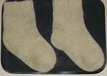 Продам носки из верблюжьей шерсти белые 1 пара