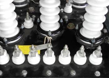Трансформаторы напряжения НАМИТ-10-2
