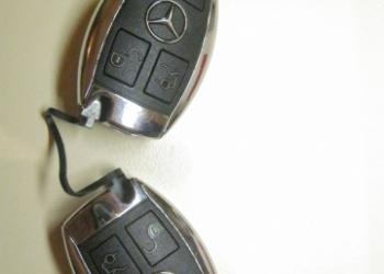 Продам стандартные смарт ключи на 3 кнопки, для автомобиля Mercedes