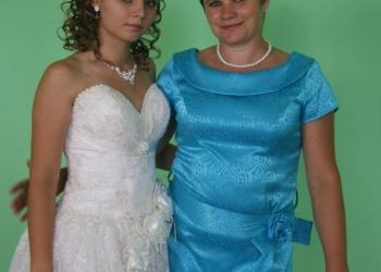 Шикарное дизайнерское платье,идеально подходящее для свадьбы или выпускного