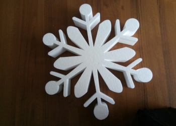 Новогодние украшения из пенопласта: снежинки, олени