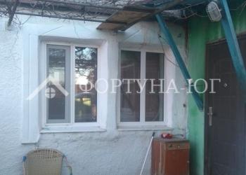 Продается в станице Анапской  1/2 часть дома общей площадью 55 м2 , участок 5
