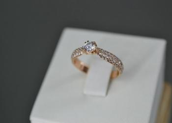 Кольцо с бриллиантами. Продажа ювелирных изделий в ломбарде.