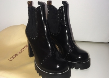 LOUIS VUITTON Chelsea Ankle Boots