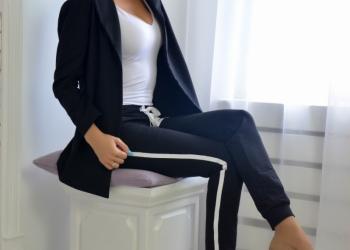 Костюм двойка(жакет+брюки),полуспорт